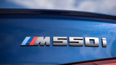 BMW M550i - badge