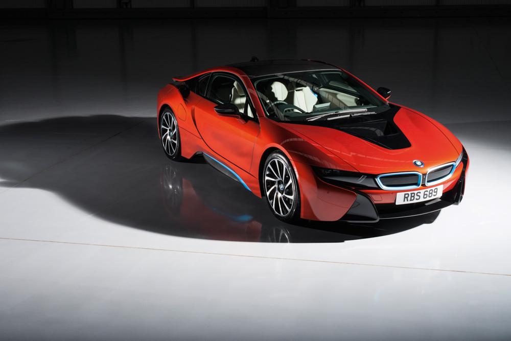 BMW i8 engine and gearbox | Evo