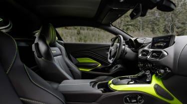 Aston Martin Vantage - green static interior
