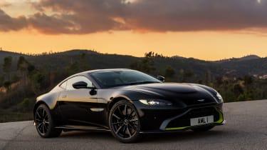 Aston Martin Vantage - black front static