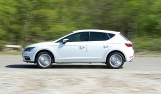 SEAT Leon - 2017 profile driving