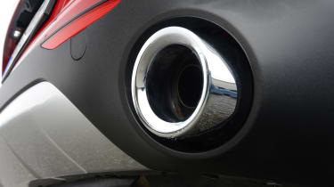Alfa Romeo Stelvio - exhaust silencer
