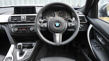 2013 BMW 330d M Sport steering wheel interior dashboard
