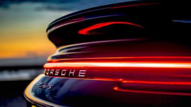 McLaren 720S Spider v Porsche 911 Turbo S Cab – detail 911