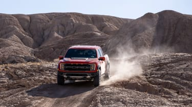 Ford F-150 Raptor -driving