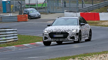 Audi RS6 Avant spied 2019 (body-on) - front quarter