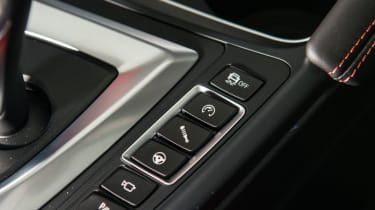 BMW M3 Competition Pack - Mode buttons