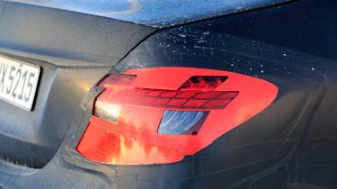 Updated 2019 Mercedes E-class spied – lights