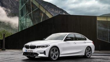 BMW 3-series G20 revealed - Sport stat