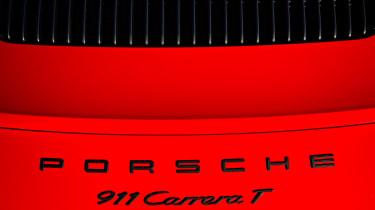 Porsche 911 Carrera T – rear deck