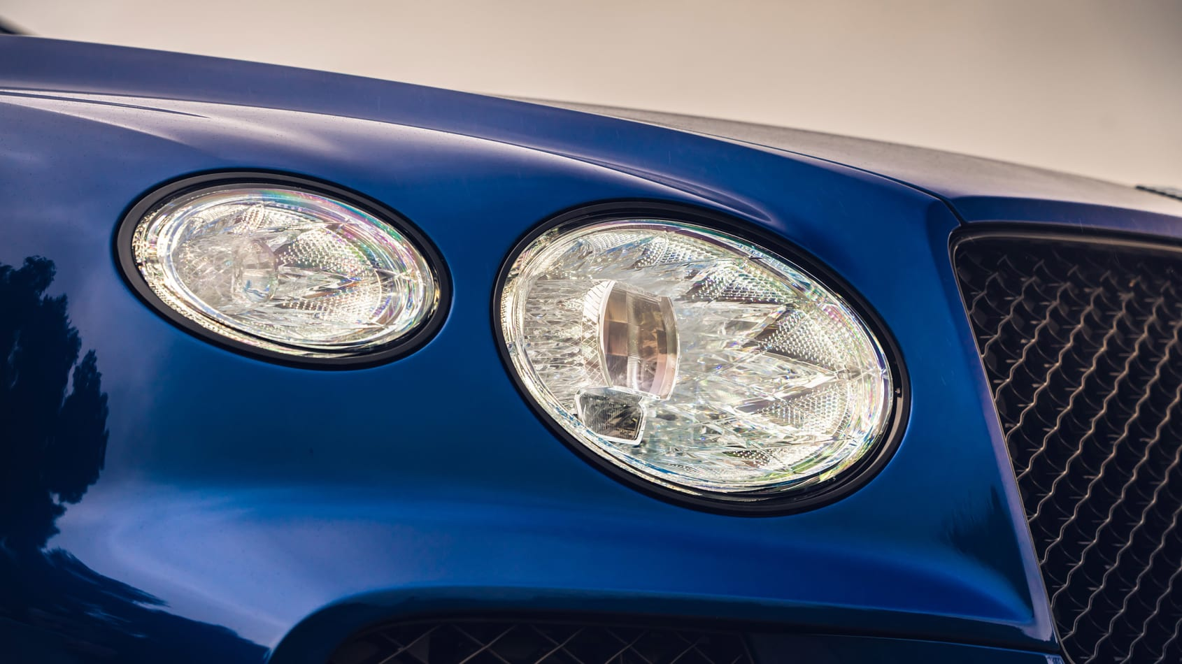 [Image: New-Bentayga---Sequin-Blue-%2830%29.jpg]