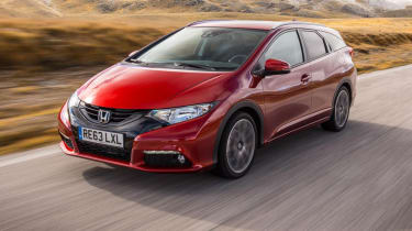 Honda Civic Tourer red