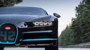 Bugatti Chiron '42' record breaker - lights