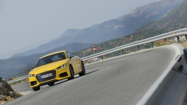 Audi TT S drifiting