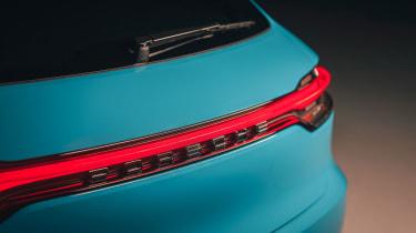 Porsche Macan – rear light bar