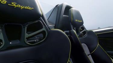 Porsche 918 – seats