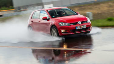 VW Golf GTI – tyre test
