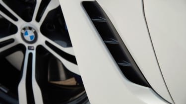 BMW 6-series GT - vent