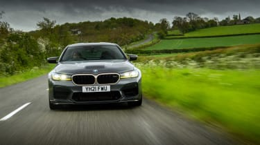 BMW M5 CS – front tracking