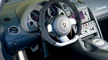 Lamborghini Gallardo LP560-4 interior