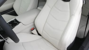 2012 Maserati GranTurismo Sport seat