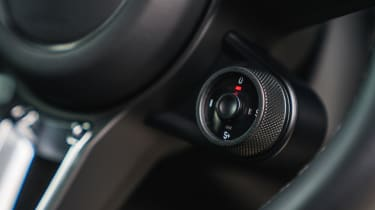 Porsche Cayenne Turbo - Driving mode selector