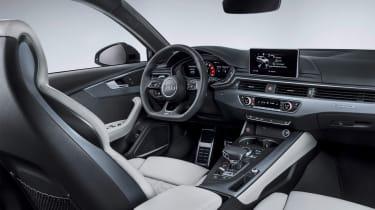 Audi RS4 Avant - interior