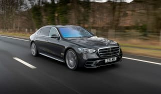 Mercedes S-class – front tracking
