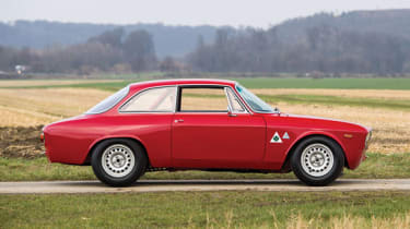 Alfa Romeo Giulia Sprint GTA - Side