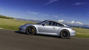Porsche 911 Carrera on track