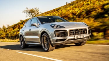 Porsche Cayenne Coupe Turbo S e-hybrid – front tracking