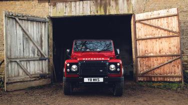 Land Rover Defender Works V8 – front