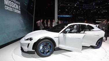 Porsche Mission E Turismo concept - front