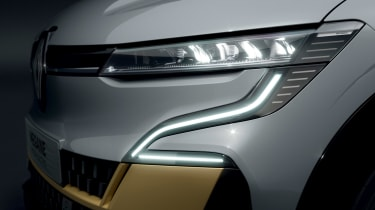 Renault Megane E-Tech Electric - lights