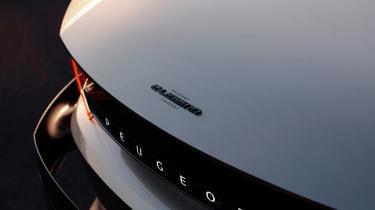 Peugeot e-Legend concept - badge