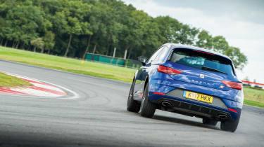SEAT Leon Cupra 300 - on track