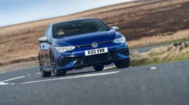 Volkswagen Golf R 2021 review - cornering