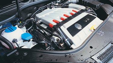 VW Golf R32 engine