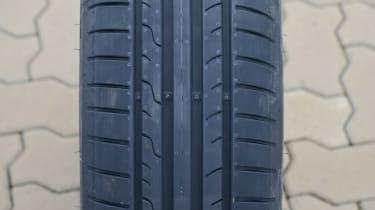 Summer tyre: Dunlop SportBluResponse