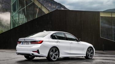 BMW 3-series G20 revealed - Sport rear stat