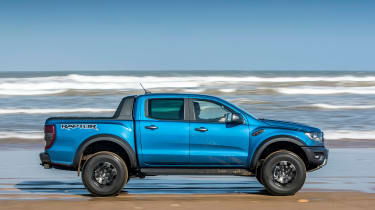 Ford Ranger Raptor - beach