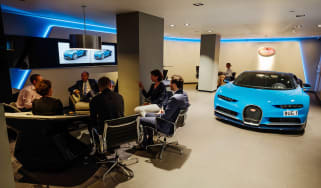 Bugatti showroom - sit