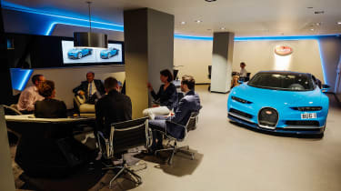 Bugatti showroom - sit