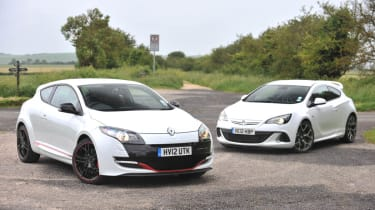 Renault Megane 265 vs Vauxhall Astra VXR video
