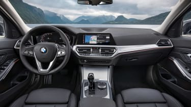 BMW 3-series G20 revealed - Sport dash