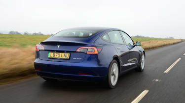Tesla Model 3 MY21 - rear tracking