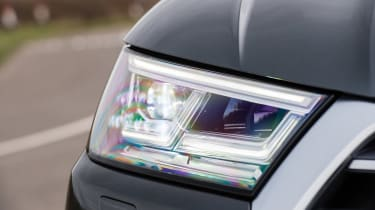 Audi Q5 - headlight