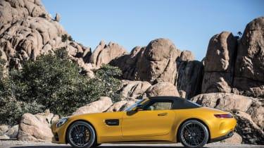Mercedes-AMG GT C Roadster - side roof up