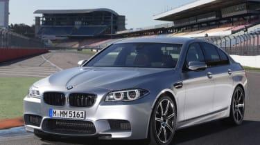 BMW M5 2013 front quarter