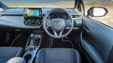 Toyota Corolla hybrid 2019 review - interior